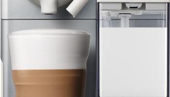 De Longhi Nespresso Lattissima Touch Silber Kapselmaschine bei Melectronics