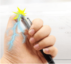 Spass-Kugelschreiber mit kleinem Stromschlag für unter einem Franken